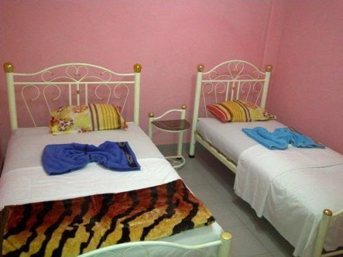 002376-room-2